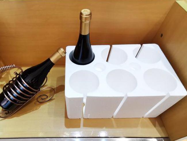 某红酒商定制昊瑞包装EPS红酒泡沫箱