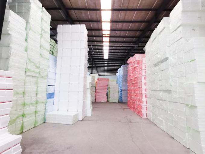 昊瑞包装客户案例-群英纸箱定制EPE泡沫板