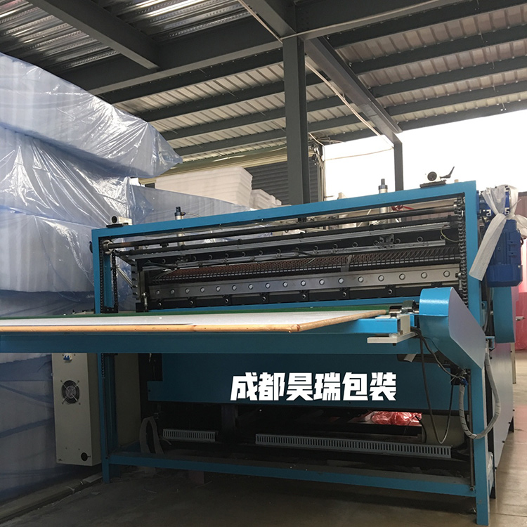 昊瑞包装为满足市场拓展业务需求引进新设备提升生产能力